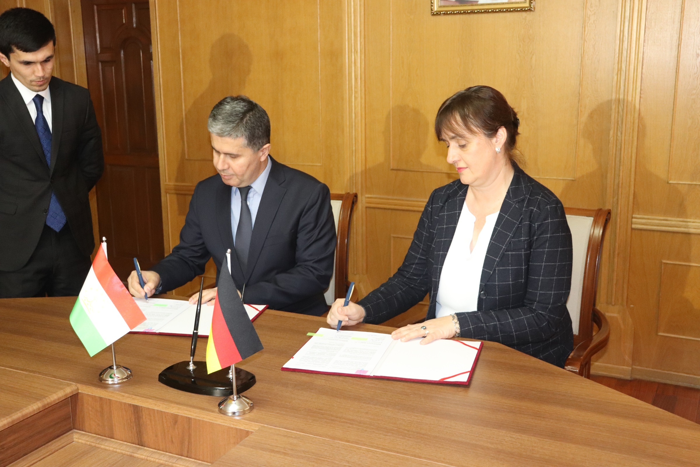Signing of the Agreement on Simplification of Trade Procedures between the Ministry of Economic Development and Trade of the Republic of Tajikistan and the German Agency for International Cooperation (GIZ)
